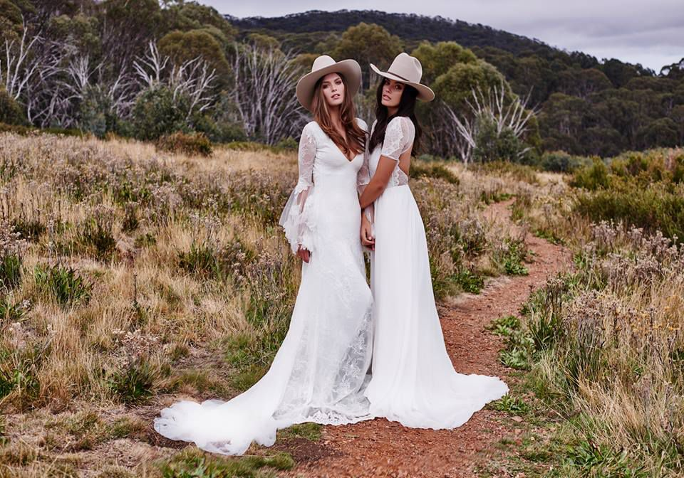 RUSTIC COUNTRY WEDDING DRESSES