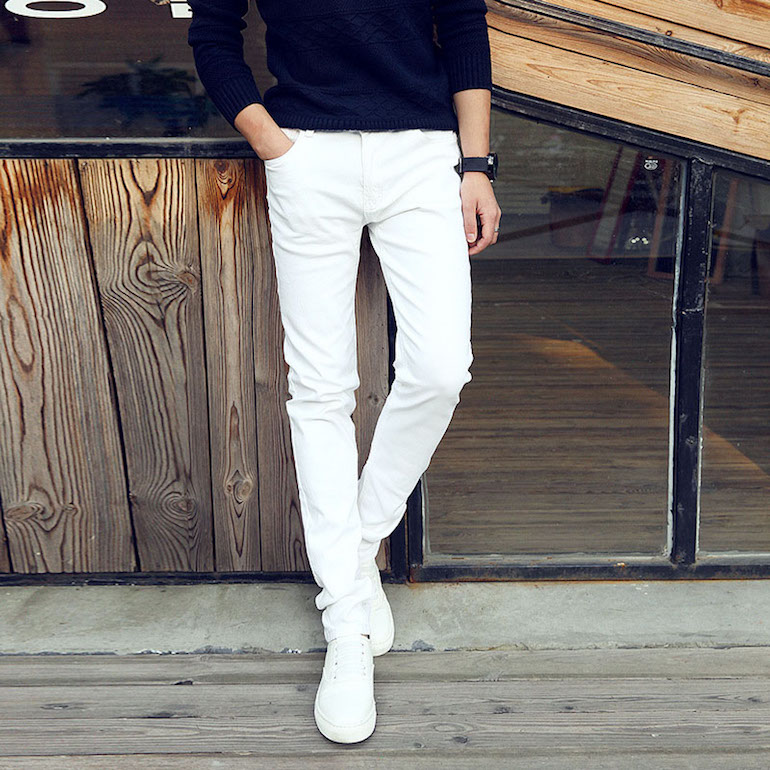 mens white jeans mens street style navy blue jumper white jeans white trainers jtttvxl