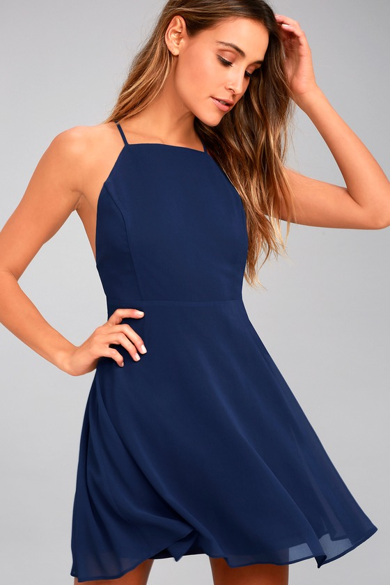 How to buy a navy blue dress
