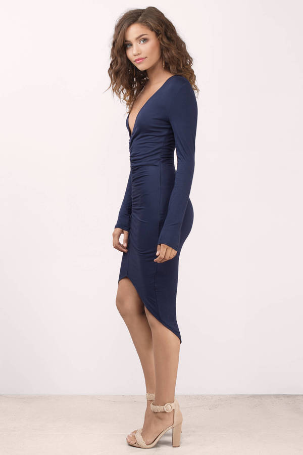 Picking navy dress for right occasion