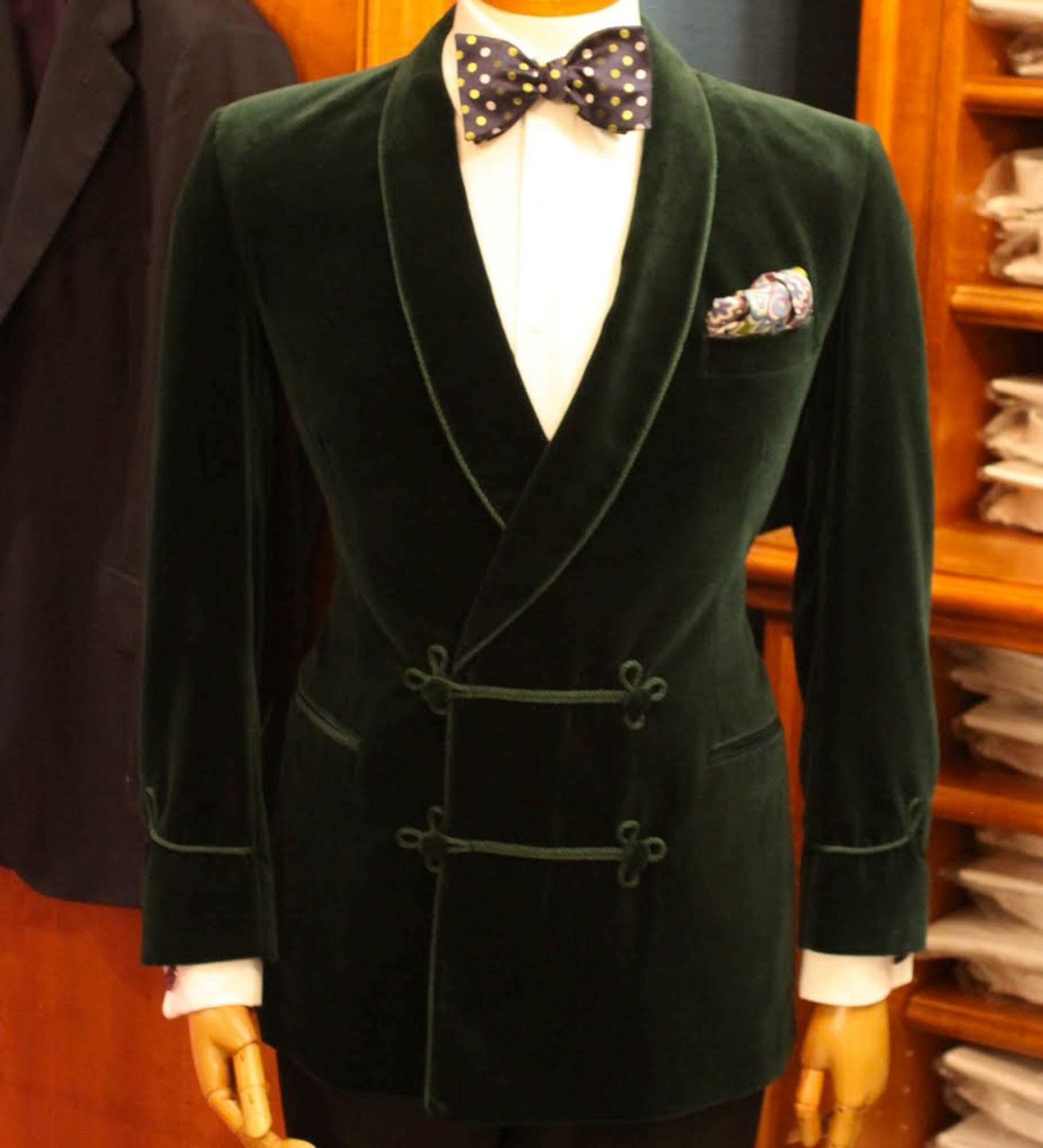 smoking jacket thats perfect for a night on the town dmwzbjv