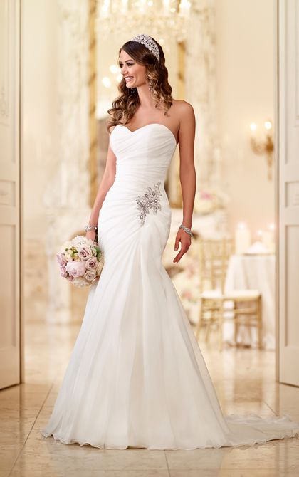 strapless wedding dresses soft organza fit-and-flare strapless wedding gown with a figure-flattering  bodice qmycyln