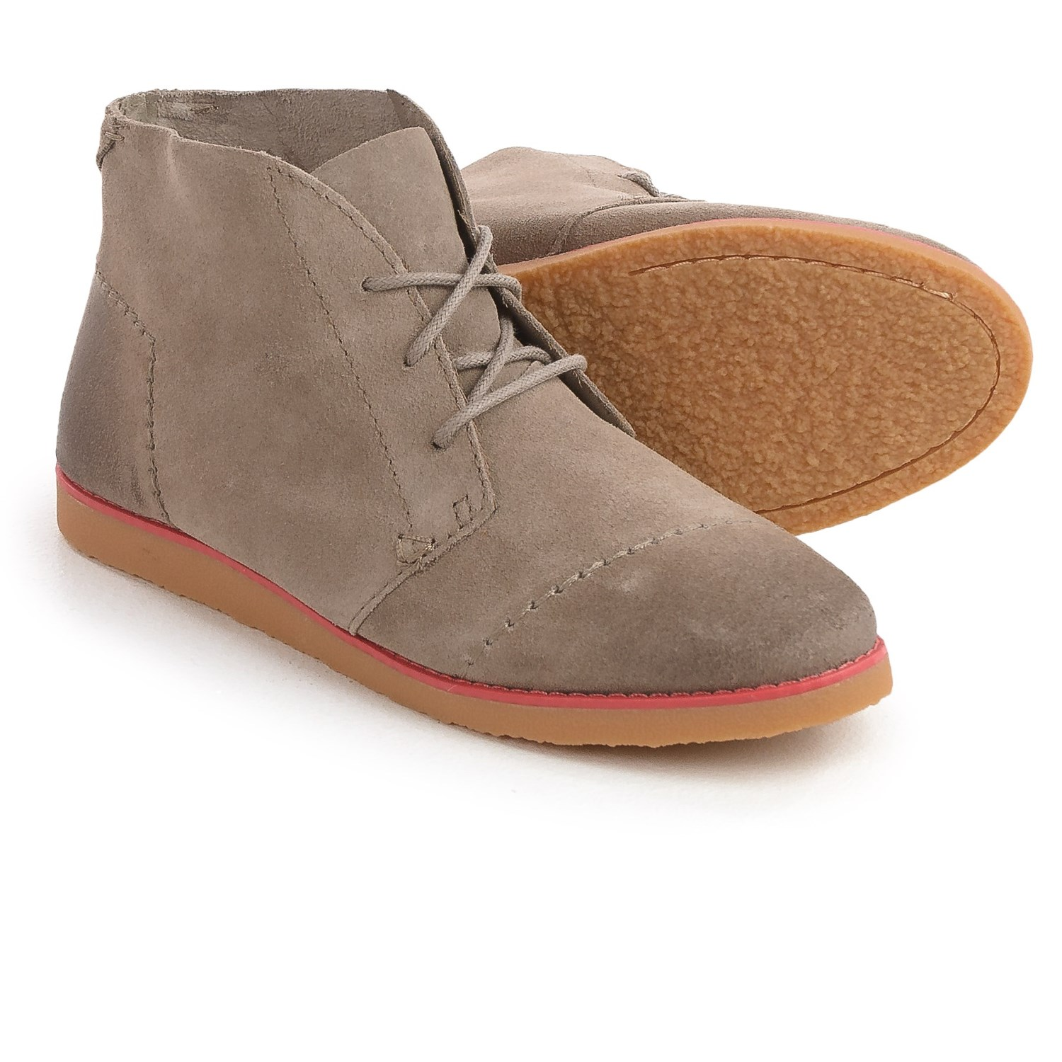 toms mateo chukka boots - suede (for women) in desert taupe aonhzrc