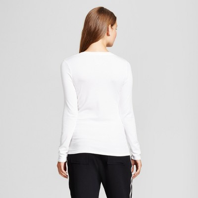 Tips to buy white tops for girls