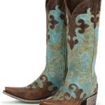 Getting the womens cowboy boots