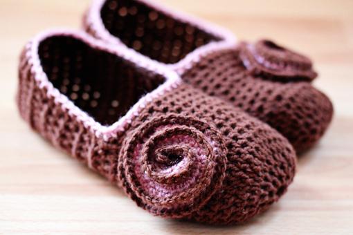 14 free crochet slipper patterns - crochet for your feet with these 14 uypfkbi