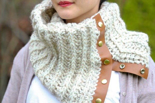 19 free patterns for pretty crochet scarves -