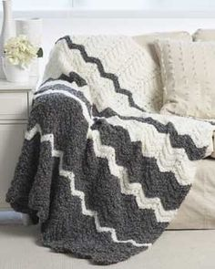 bernat patterns free pattern - bold chevron stripes knit in spicy shades make this #knit zkjyfoj
