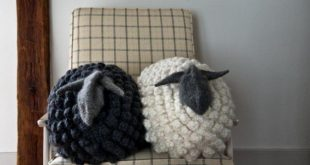 bobble sheep pillow | easy knitting projects you can diy in this cold nefubzq