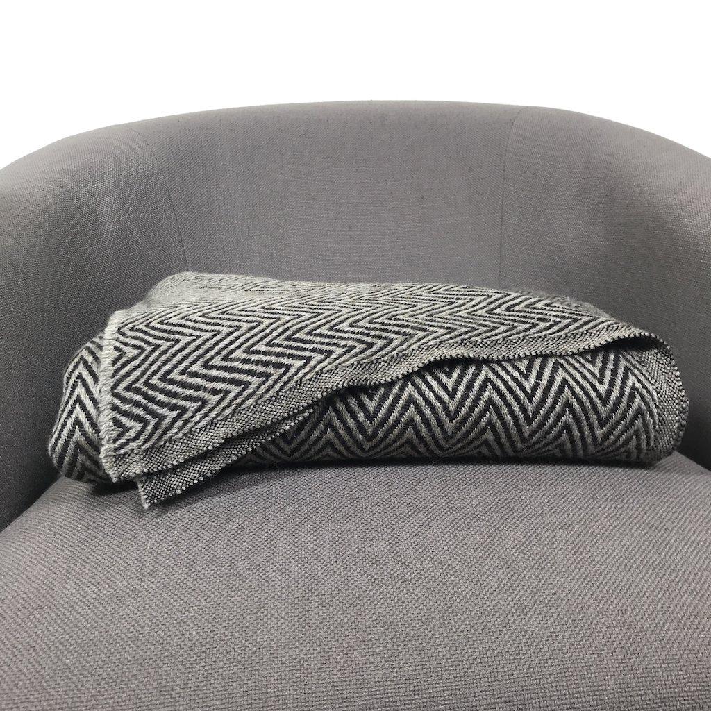 cashmere throw ... brown chevron cashmere blanket ... yjaqxvu
