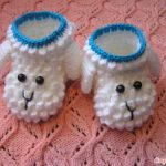 Crochet booties – Spun type Wearable Fabric for Legs