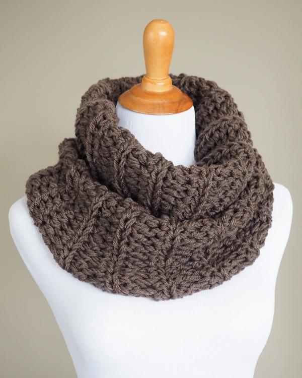crochet cowl pattern claireu0027s outlander crochet cowl - free pattern. inspired by the knitwear on nptxrhr