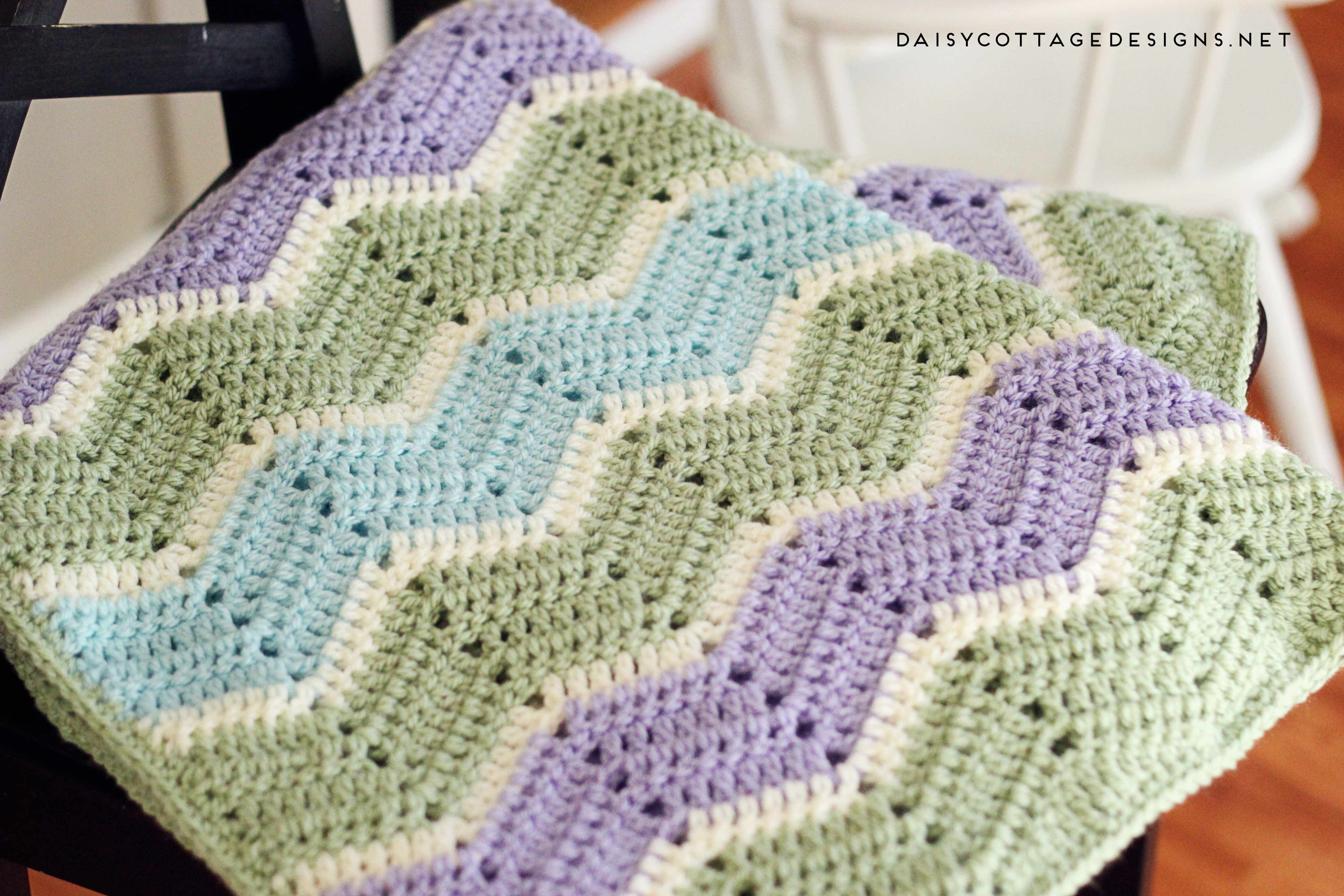 crochet designs use this chevron blanket crochet pattern from daisy cottage designs to  create siyllxc