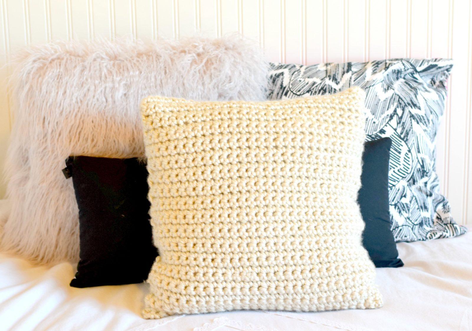 crochet pillow crochet-chunky-pillow-pattern qcoglui