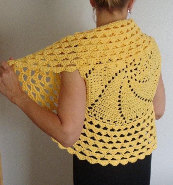 Crochet shrug – Ladies Special Crochet Shrug Outfits