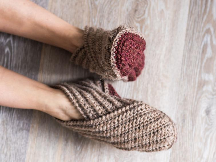 Crochet Slippers rustic wrap slippers crochet kit | craftsy bkbssnq