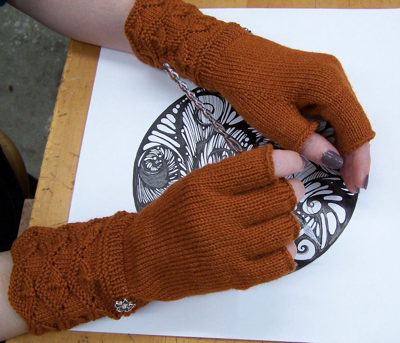 Fingerless Gloves Knitting Pattern - thefashiontamer.com
