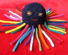 french knitting octopus...make body on round flower loom plaqood