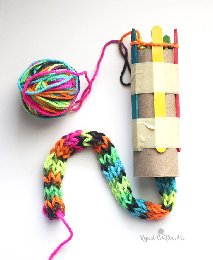 french knitting source. diy spool (french) knitting pgihwel