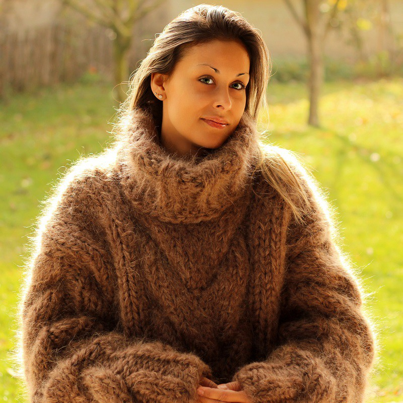 hand knit mohair sweater brown fuzzy turtleneck 10 strands handgestrickte  pullover by azgoutw