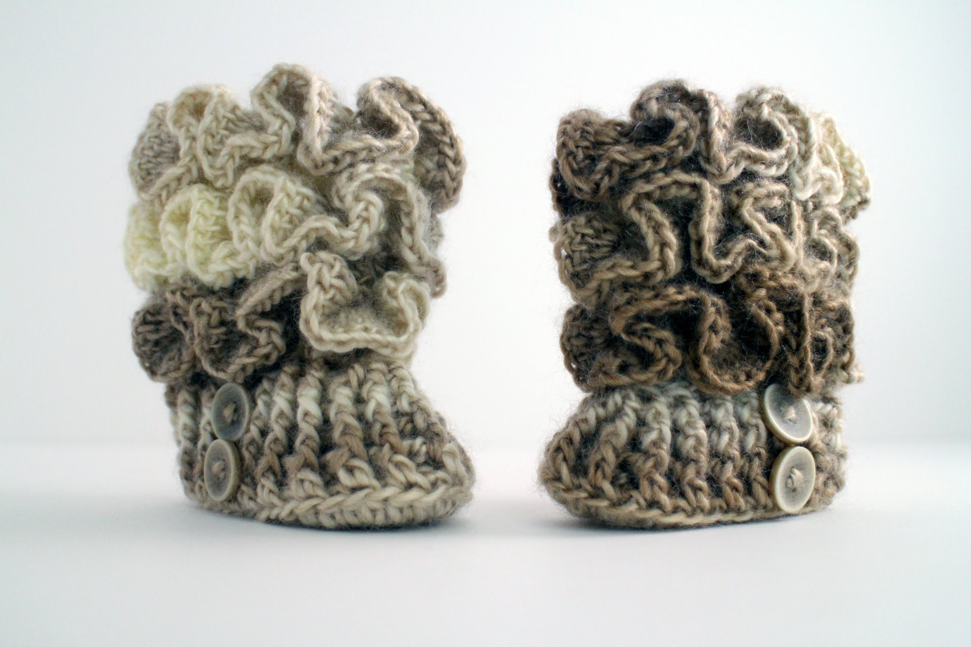 how to crochet baby booties - youtube huoioga