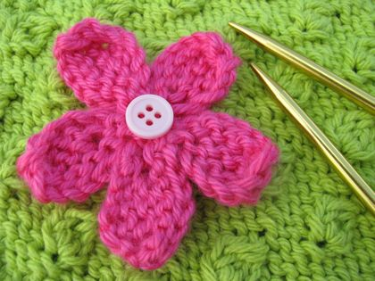 how to knit a flower iu0027m ... knvpeve