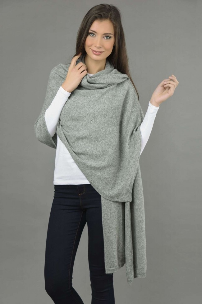 knitted pure cashmere wrap in light grey xtyinvk