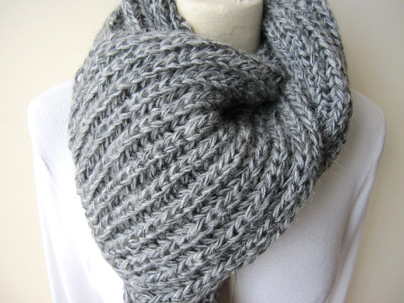 knitted scarves like this item? ijmbmwn