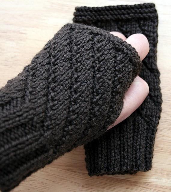 knitting pattern / fingerless gloves knitting pattern /