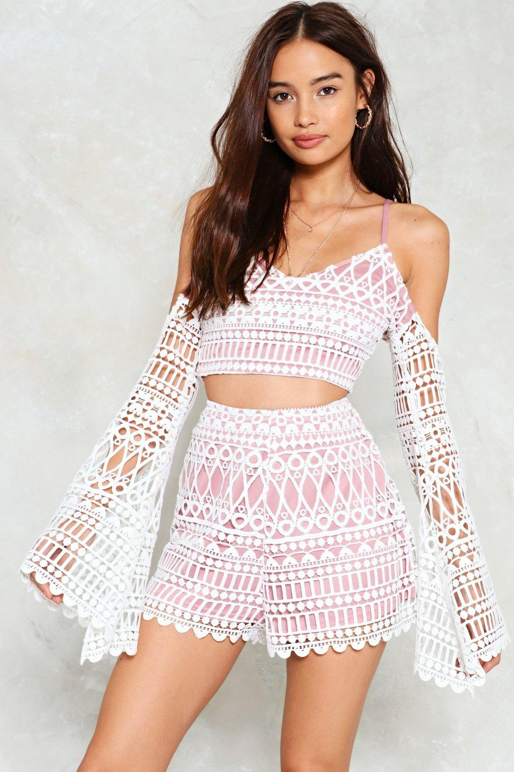 lover undercover crochet top and shorts set pmnarli