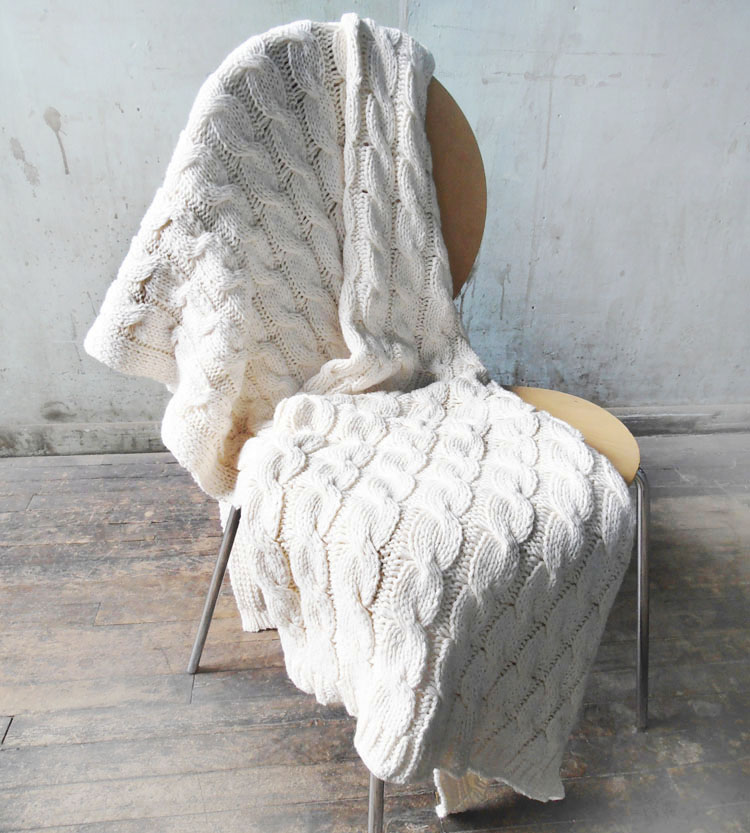 natural cable knit throw blanket | this beautiful cable knit blanket goes ezgxvbl