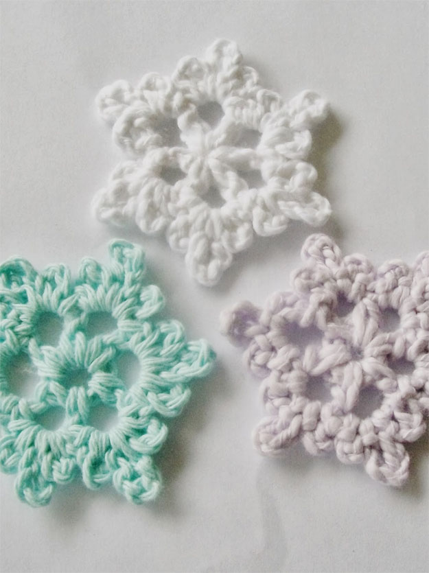 Simple Crochet Patterns easy crochet snowflake pattern | 17 amazing crochet patterns for beginners qnggzdx