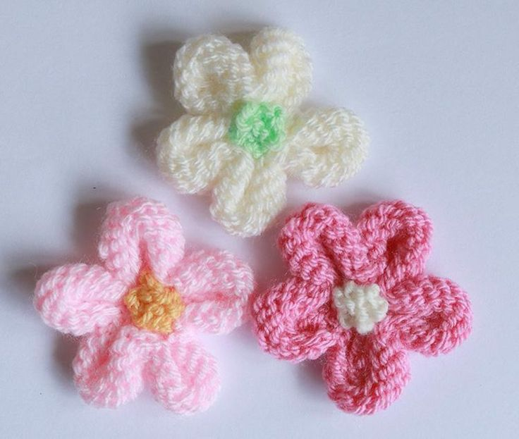 Decorate Your Room With The Knitted Flowers Thefashiontamer