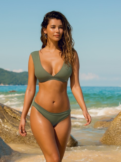 Best Bathing Suits for Large Bust - Supportive Swimwear for Big Busts