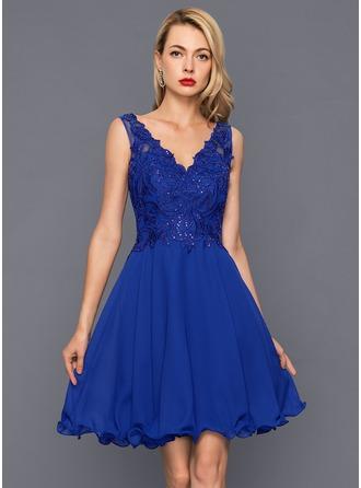 A-Line/Princess V-neck Knee-Length Chiffon Cocktail Dress With