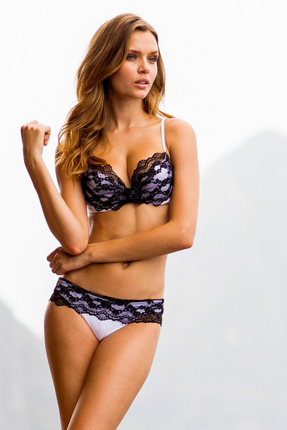 All about D cup swimwear to   make you feel confident at the beach