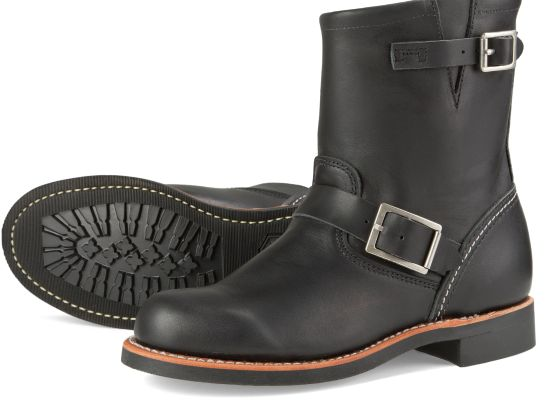 Women's 3354 Short Engineer Black Boot | Red Wing Heritage