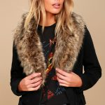Choose the stylish faux fur   scarf for comfort and attractive looks.