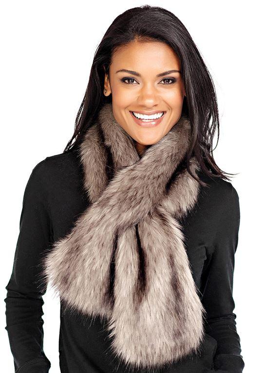 Grey Wolf Faux Fur Pull-Through Scarf | Faux Fur Scarves - Donna