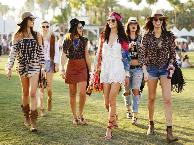 Get stylish accessories for   festival fashion