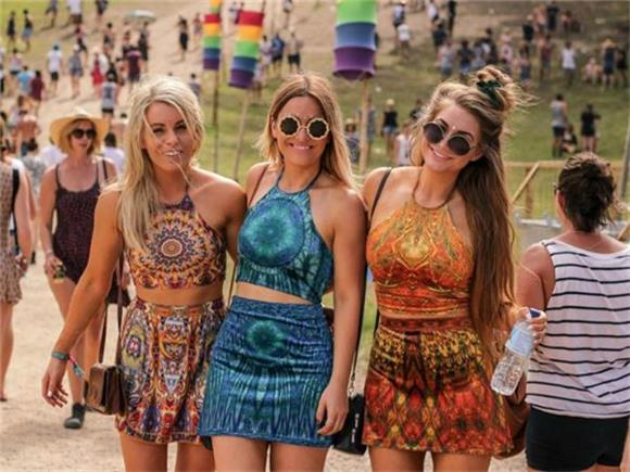 What A Girl's Festival Outfit Means - Baeble Music