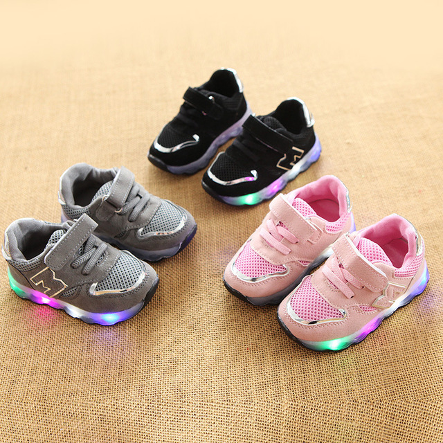 2018 New brand cool European colorful lighting kids shoes high