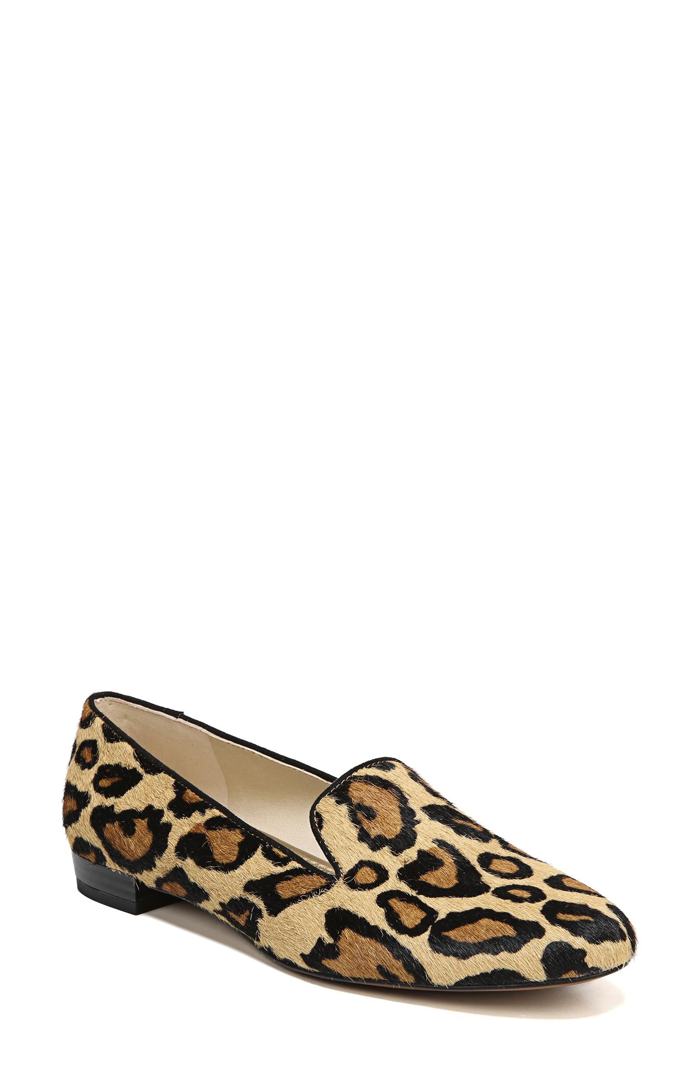 Girls go crazy with leopard   flats