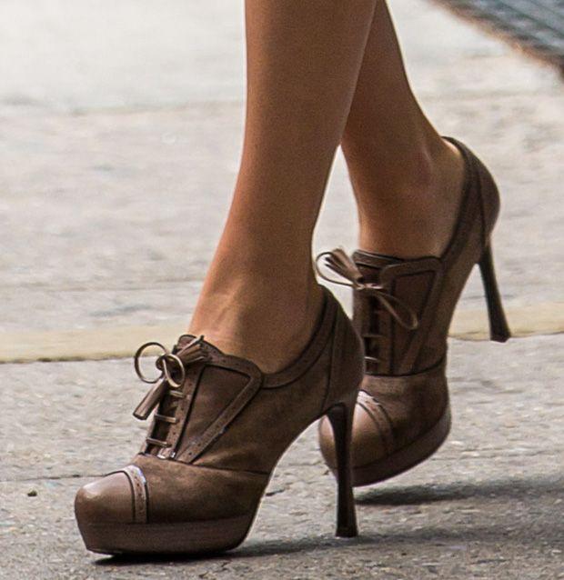 Taylor Swift wearing Saint Laurent oxford pumps | Taylor Swift
