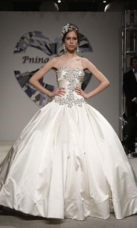 Pnina Tornai 4019, $4,000 Size: 10 | Used Wedding Dresses