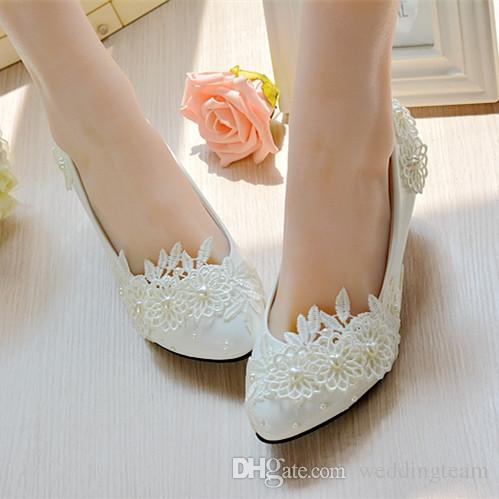 Cheap Stylish Pearls Flat Wedding Shoes For Bride 3D Floral