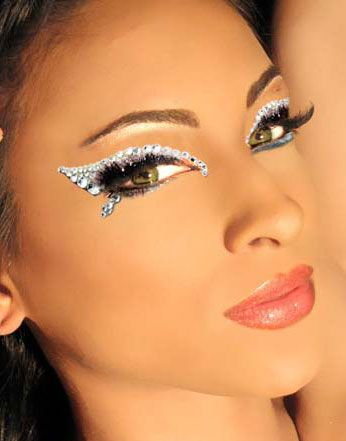 Pin by Rachael Peck on DHB 2013 | Angel makeup, Carnival makeup .