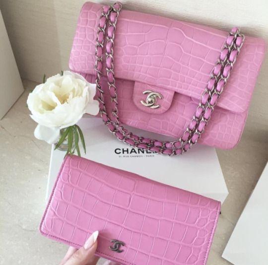 raining-glitterxo | Chanel handbags, Chanel, Pink chan
