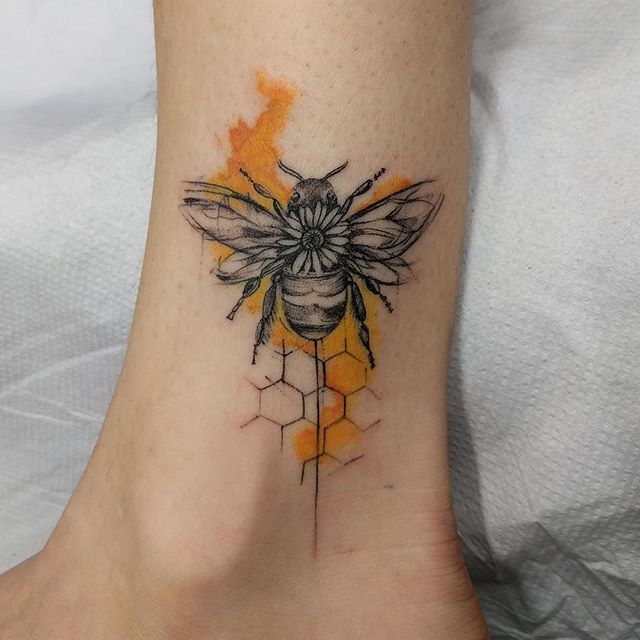 21 Bee Tattoo Designs > CherryCherryBeauty.com | Tattoos, Bee .
