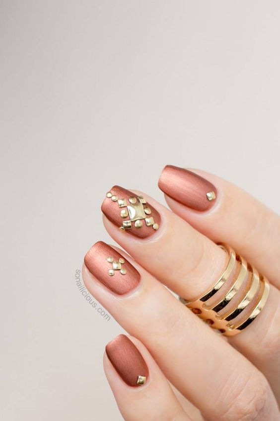 93 Extremely Bold and Ultra Chic Metallic Nails That Are Sure to .